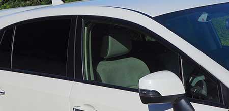 写真)運転席側のウインドの様子