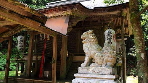 波爾布神社 本殿