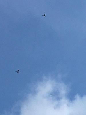 2機で飛んでいたオスプレイ