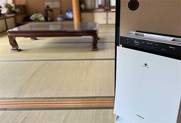 写真:和室に設置したナノイーX搭載の加湿空気清浄機